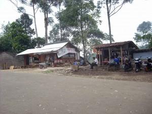 Spot Untuk Penitipan Kendaraan, Mushola, dan Toilet di Jayagiri