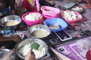 Makanan dari olahan singkong di acara Julang Ngapak Kampung Adat Cirendeu