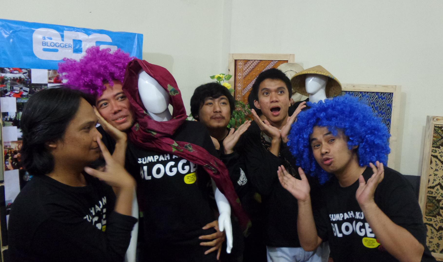 Pose Girlband Ala Tim Ganteng-Ganteng Blogger