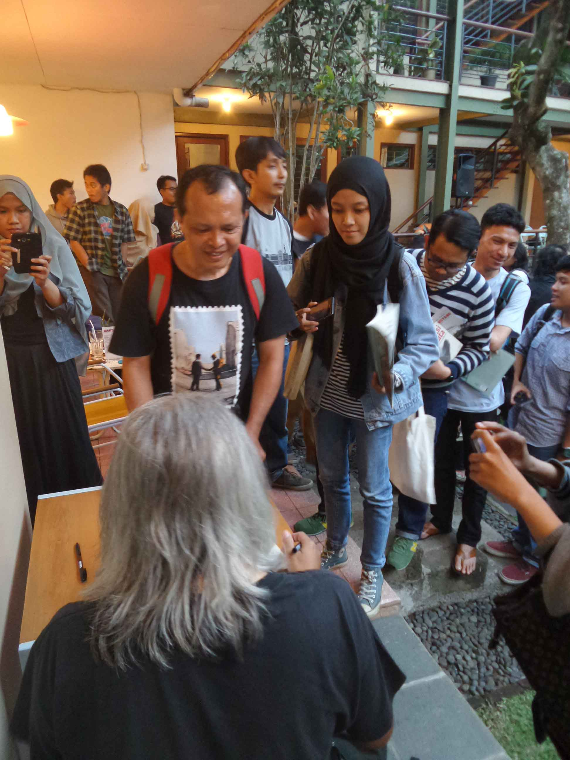 Book Signing Seno Gumira Ajidarma