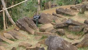 Dilarang Mencoret-coret Batu di Situs Megalith Gunung Padang