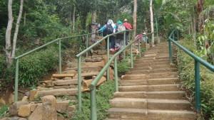 Dua Jalur Pendakian di Situs Megalitikum Gunung Padang