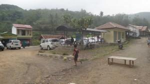 Tempat Parkir Mobil di Situs Megalitikum Gunung Padang Cianjur