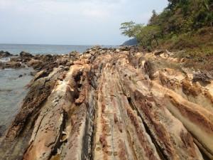 Batu Naga di Geopark Ciletuh Sukabumi