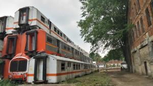 Kereta Bertumpuk di Stasiun Purwakarta