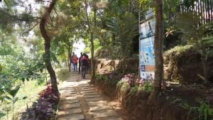 Akses Jalan di Tebing Keraton