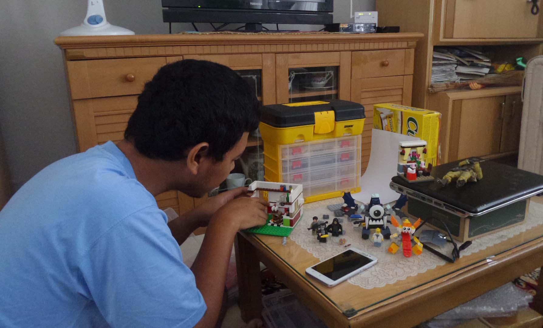 Hobi Lelaki Sejati itu Hobi Mainan Lego