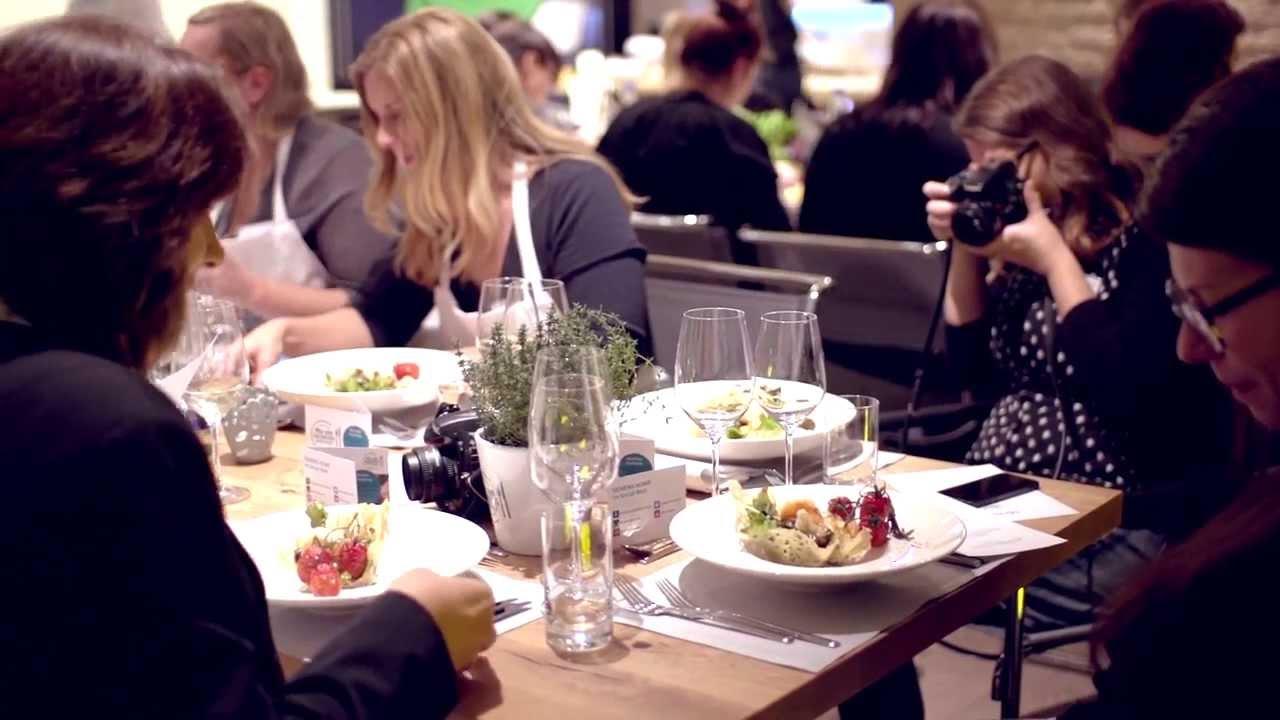 Apa Enaknya Jadi Food Blogger Selain Makan Enak?