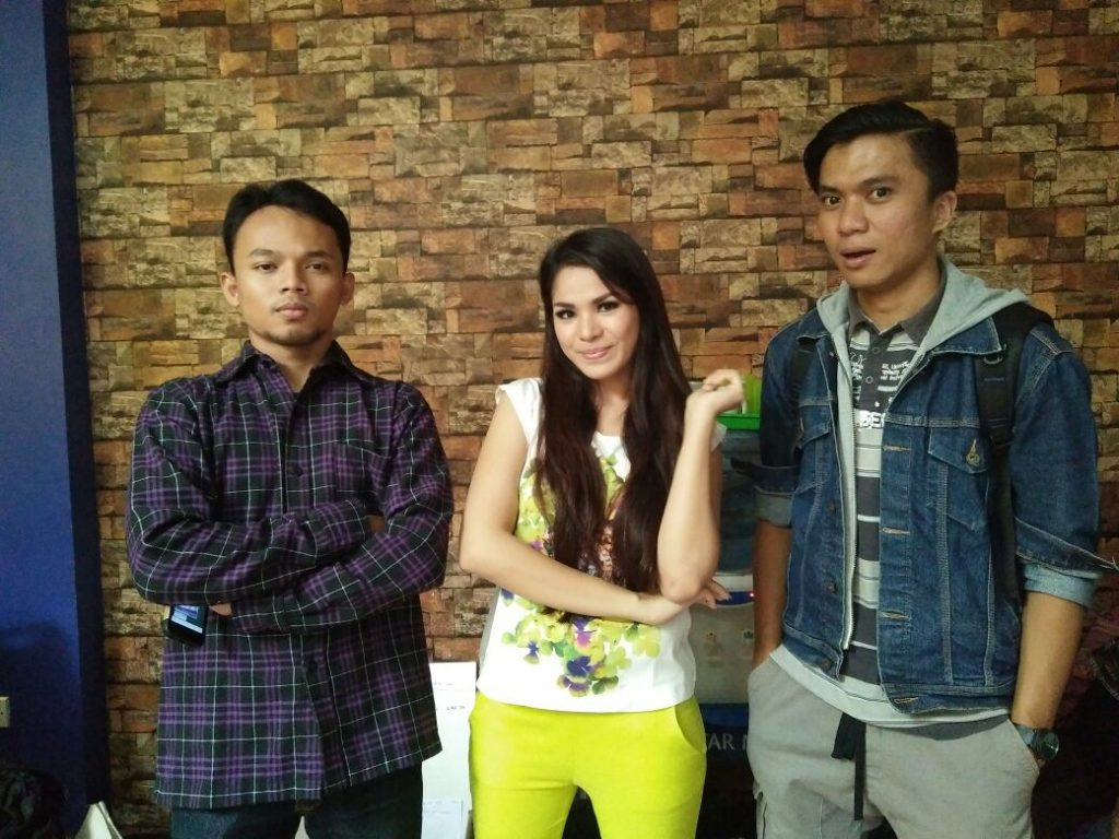 Foto Bareng Windy Ghemary