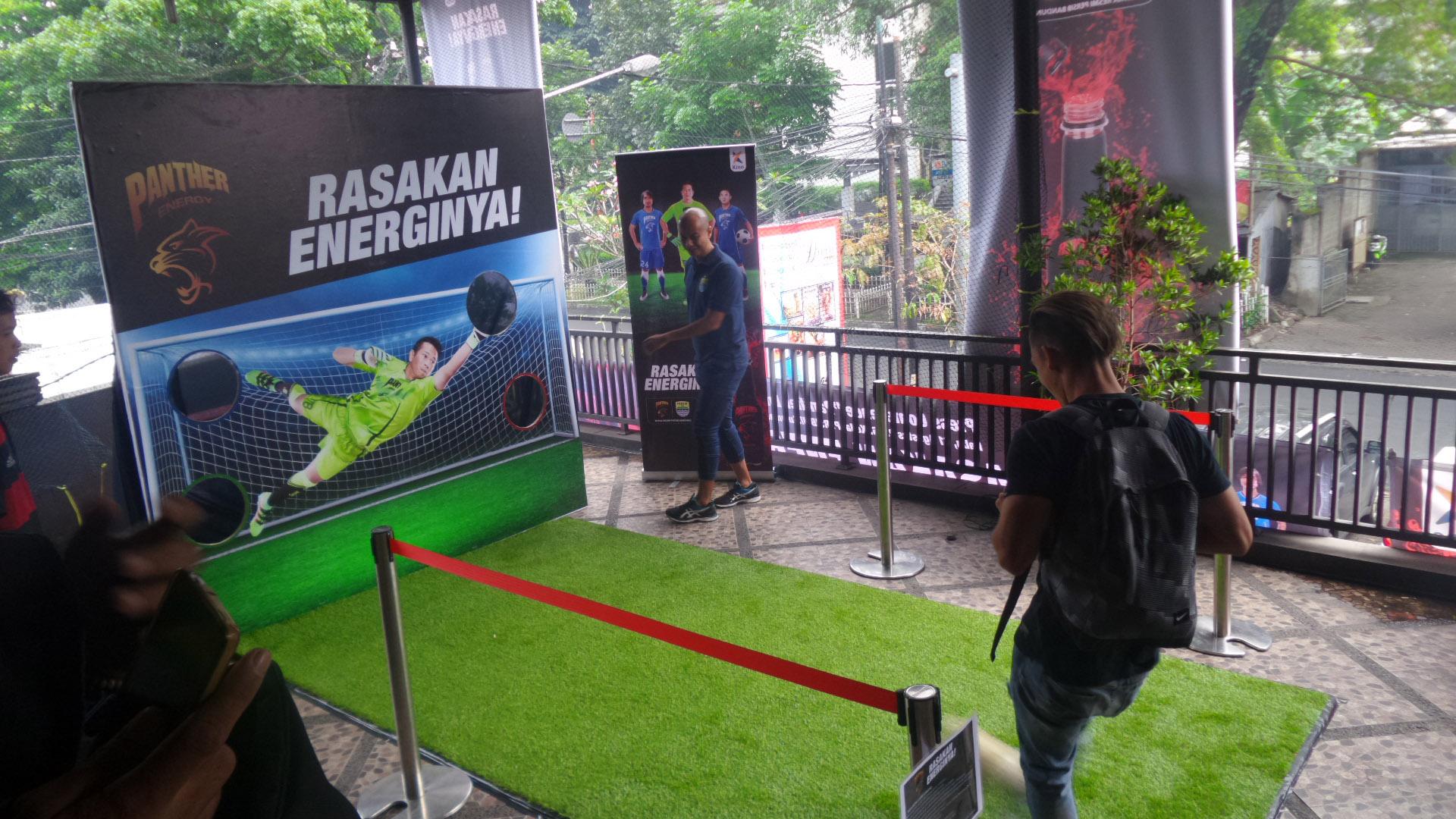 Games Gawang Panther Energy Persib - Penjaja Kata