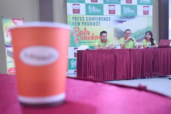 press-conference-produk-baru-brownies-amanda-bolu-pandan-penjaja-kata