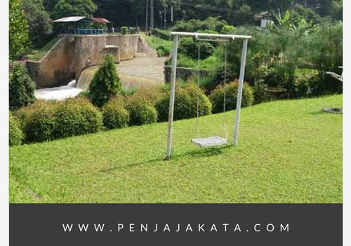 Menginap di Hotel Saung Bilik Ditemani Aliran Sungai Ciwidey